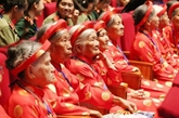 Le PM Nguyên Xuân Phuc rencontre les représentantes des Mères héroïnes