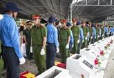 Les restes de 72 soldats inhumés à Kiên Giang