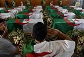 L'Algérie enterre ses premiers