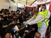 L'Ocean Viking va débarquer 180 migrants en Sicile, dans une joie douce-amère