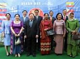Le diplomate du Laos en Allemagne apprécie la solidarité de l'ASEAN