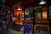 À Athènes, les cinémas en plein air manquent de souffle