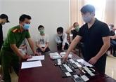 Sept étrangers condamnés à une amende et expulsés pour avoir enfreint les lois