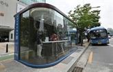 En Corée du Sud, des abribus innovants pour lutter contre le coronavirus