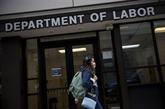 États-Unis : les inscriptions au chômage sous la barre du million pour la 1re fois depuis mars