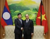 Le Premier ministre vietnamien rencontre son homologue laotienà Hanoï