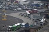 Au port de Calais, le trafic s'intensifie avant la quatorzaine britannique pour la France