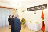L'ambassade du Vietnam en R. tchèque rend hommage à l'ancien chef du Parti