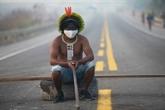 Brésil : des indigènes bloquent une route d'Amazonie