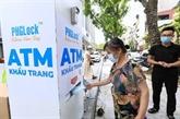 La VTC remet des masques medicaux a Hanoï, Da Nang et Quang Nam