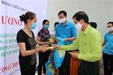 Hô Chi Minh-Ville achève la remise de l'aide financière aux personnes touchées par le COVID-19