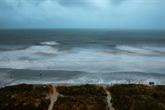 L'ouragan Isaias s'abat sur la Caroline du Nord, risque de pluies meurtrières