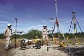 Des machines à déminer à l'œuvre à Quang Tri