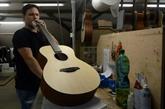 Un fabricant de guitares tchèque séduit les stars