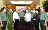 Nguyên Phu Trong montre la voie à la police populaire