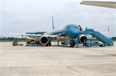 Vietnam Airlines vend les billets d'un vol commercial international vers le Vietnam