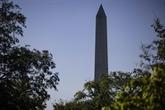 La capitale américaine reprend timidement vie avec la réouverture du Washington Monument