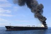 Un pétrolier rempli de brut toujours en feu au large du Sri Lanka
