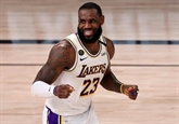 Miami éjecte Milwaukee, les Lakers doublent Houston
