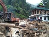Les glissements de terrain en Indonésie font des morts et des blessés