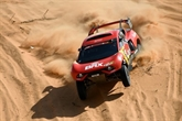 Dakar-2021 : Loeb abandonne, Al-Attiyah se rapproche de Peterhansel