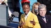 L'Amérique s'entiche de la jeune poétesse Amanda Gorman après sa performance devant Biden