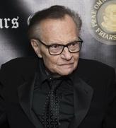 Larry King, le vétéran à bretelles de la télé, roi de l'interview, est mort