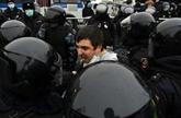 Des dizaines de milliers de manifestants, 2.500 arrestations en Russie
