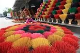 Au royaume coloré des bâtonnets dencens de Thuy Xuân
