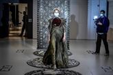 Dior tire les tarots pour présenter la haute couture en plein COVID