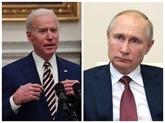 Vladimir Poutines'entretient pour la première fois par téléphone avec Joe Biden