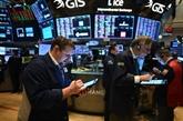Wall Street, sans entrain, glisse légèrement dans le rouge