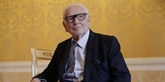 Cardin inhumé à Montmartre en habit d'académicien des beaux-arts