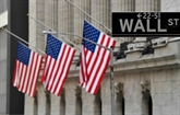 Très volatile, Wall Street sombre dans le rouge