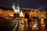 Des chopes de bière à Prague pour protester contre les restrictions