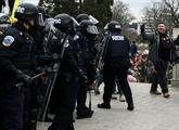 La femme abattue au Capitole a succombé à un tir de la police