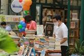 Hô Chi Minh-Ville : la rue des livres reprend ses activités