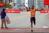 Marathon de Chicago : l'Ethiopien Tura au finish, la Kényane Chepngetich dans un fauteuil