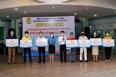 Hô Chi Minh-Ville offre 200.000 sacs de cadeaux aux travailleurs défavorisés