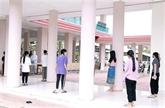 Les Vietnamiens au Laos s'entraident pour traverser la pandémie de COVID-19