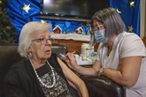 Le Québec reporte d'un mois la vaccination obligatoire des travailleurs de la santé