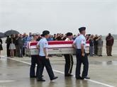 Dà Nang : remise des ossements de soldats américains
