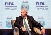 Mondial biennal : la FIFA convoque un sommet, la fronde s'organise