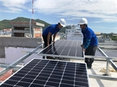 Des entreprises vietnamiennes et écossaises développent de l'énergie solaire sur les toits