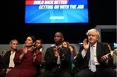 Malgré les crises, Johnson promet une économie post-Brexit premium
