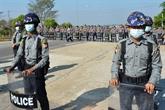 De hauts responsables du gouvernement détenus et l'état d'urgence décreté