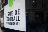 En crise, le foot français demande