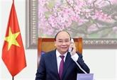 Le PM Nguyên Xuân Phuc s'entretient avec des dirigeants lao et cambodgien