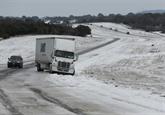 Le froid perturbe toujours les États-Unis, tempête dans le Nord-Est