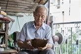 Trinh Ngoc, le plus vieux cordonnier du Vietnam